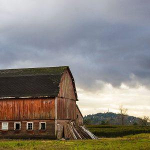 Moody Barn photographed by Kelly Cushing